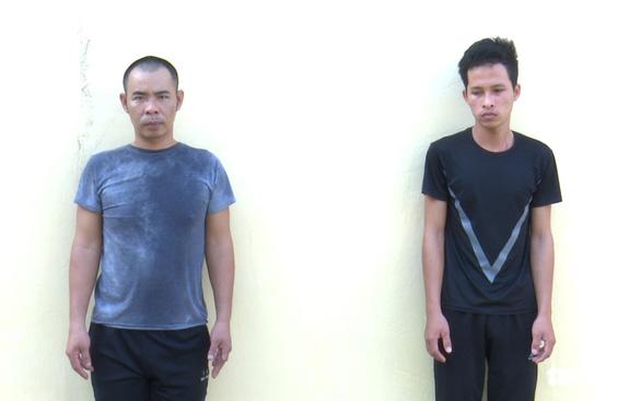 Bắt 2 nghi phạm cướp giật dây chuyền vàng để mua ma túy - Ảnh 1.