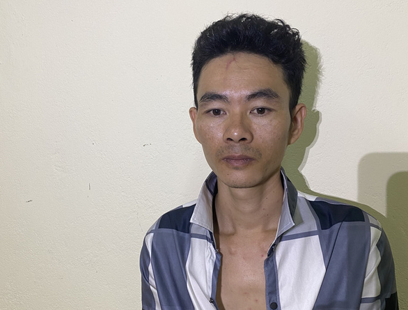 Bị bắt sau một năm trốn nã vì dùng búa đánh bố vợ - Ảnh 1.