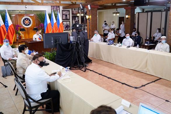 Ông Duterte: Hãy tuân thủ UNCLOS, tránh leo thang căng thẳng ở Biển Đông - Ảnh 1.