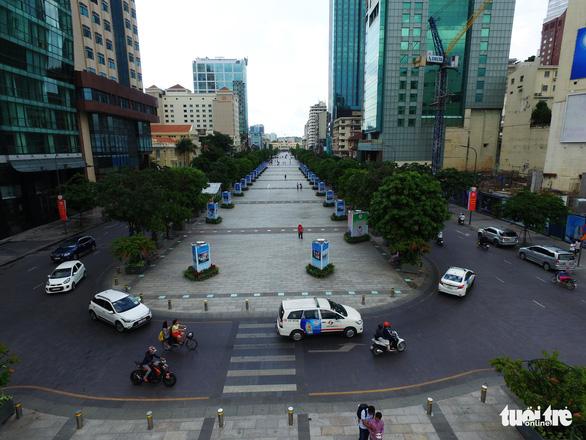 Điều chỉnh việc đi lại trung tâm quận 1 kỷ niệm 44 năm thành phố mang tên Bác - Ảnh 1.