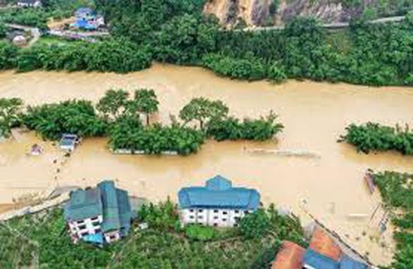 Trung Quốc đang che giấu tình hình mưa lũ gây nhiều thiệt hại? - Ảnh 2.
