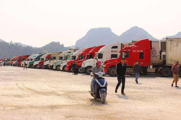 Từ 1-7, xe chở hàng của Việt Nam nhập cảnh Trung Quốc phải mua bảo hiểm - Ảnh 1.