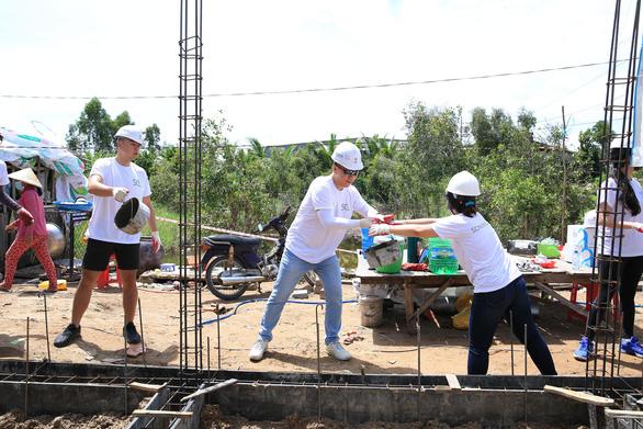 Ngôi làng bền vững: Những tình nguyện viên đặc biệt, xông xáo và nhiệt tình - Ảnh 2.