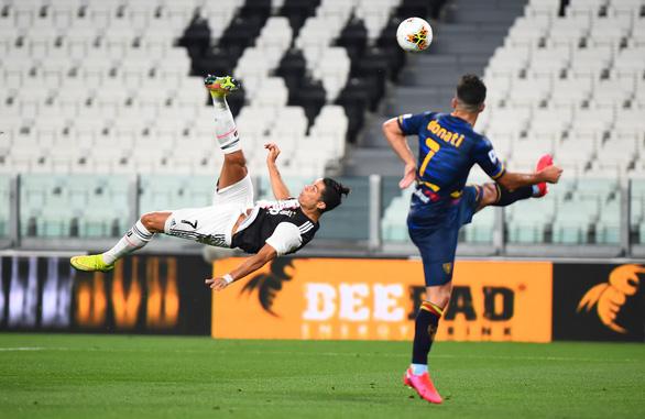Ronaldo rực sáng, Juventus thắng đậm Lecce - Ảnh 2.