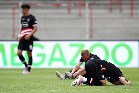 Werder Bremen thoát hiểm trong ngày Bundesliga hạ màn - Ảnh 2.