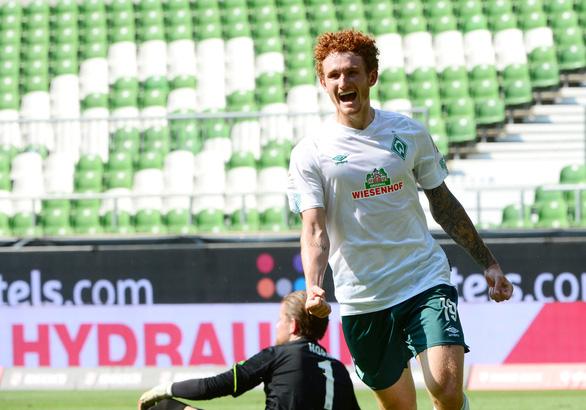 Werder Bremen thoát hiểm trong ngày Bundesliga hạ màn - Ảnh 1.