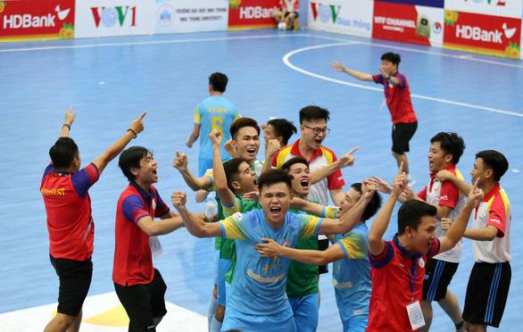 Sanvinest Sanatech Khánh Hòa ngược dòng khó tin trước Sahako - Ảnh 2.