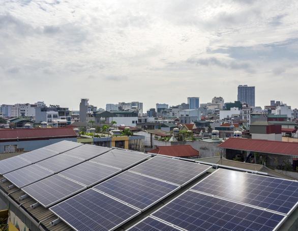 Tập đoàn Sơn Hà ra mắt và ký kết phát triển điện mặt trời áp mái FreeSolar - Ảnh 2.