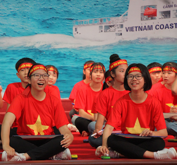 Học sinh lớp 8 chiến thắng cuộc thi Em yêu biển đảo quê hương - Ảnh 2.