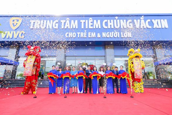 Khai trương trung tâm tiêm chủng VNVC Đông Anh - Ảnh 1.