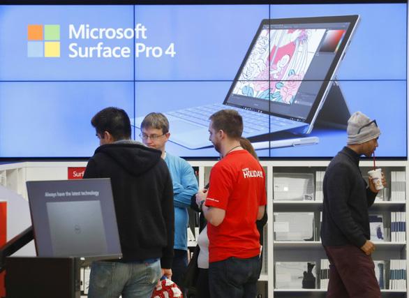 Microsoft đóng cửa vĩnh viễn tất cả cửa hàng bán lẻ - Ảnh 1.