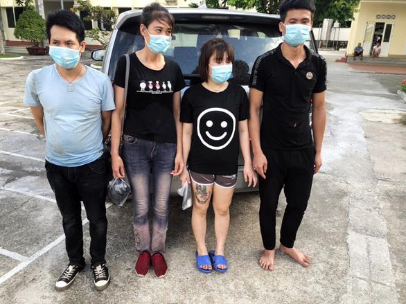 Cách ly 4 người bơi sông từ Trung Quốc, nhập cảnh Việt Nam trái phép - Ảnh 1.