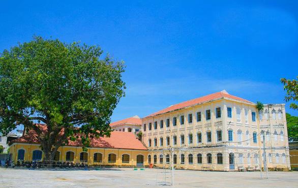 Đại học Quy Nhơn: Chỉ tiêu tuyển sinh ngành sư phạm năm 2020 tăng gấp 3 lần so với các năm trước - Ảnh 1.