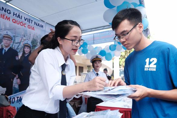 Sáng nay báo Tuổi Trẻ tư vấn tuyển sinh tại Cần Thơ, Hải Phòng: Khám phá ngành nghề, săn tìm cơ hội - Ảnh 10.