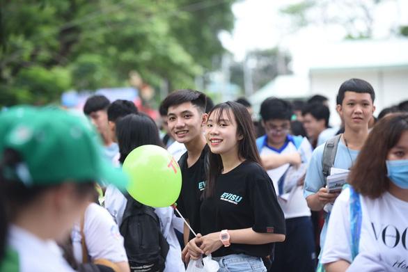 Sáng nay báo Tuổi Trẻ tư vấn tuyển sinh tại Cần Thơ, Hải Phòng: Khám phá ngành nghề, săn tìm cơ hội - Ảnh 4.