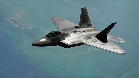 Mỹ chặn máy bay trinh sát Nga gần Alaska - Ảnh 1.