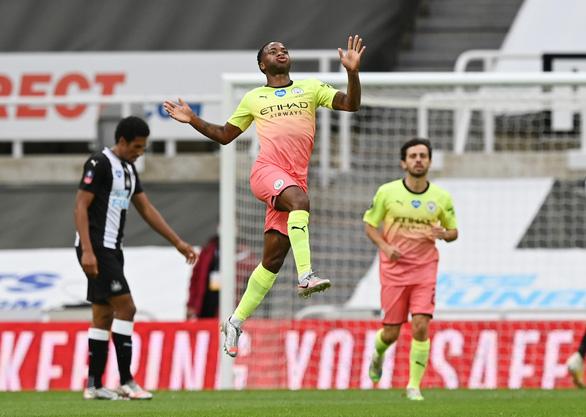 Man City và Chelsea đoạt hai vé còn lại vào bán kết Cúp FA - Ảnh 2.