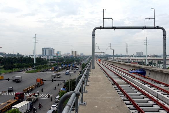 Phó thủ tướng Phạm Bình Minh thị sát tuyến metro Bến Thành - Suối Tiên - Ảnh 2.