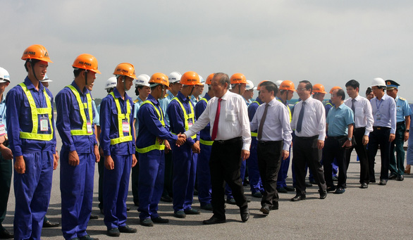 Khởi công nâng cấp đường băng sân bay Nội Bài và Tân Sơn Nhất - Ảnh 2.