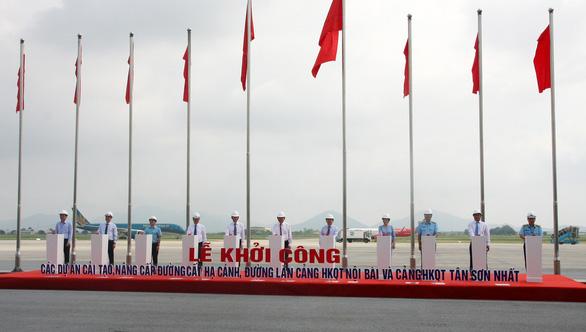 Khởi công nâng cấp đường băng sân bay Nội Bài và Tân Sơn Nhất - Ảnh 1.