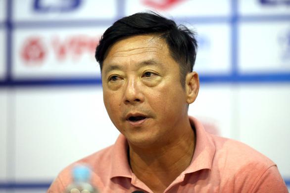 HLV Lê Huỳnh Đức: Tôi không dám nói trọng tài kém - Ảnh 2.