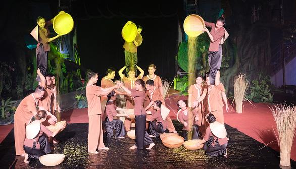 Mekong show kể chuyện phương Nam cho du khách - Ảnh 1.