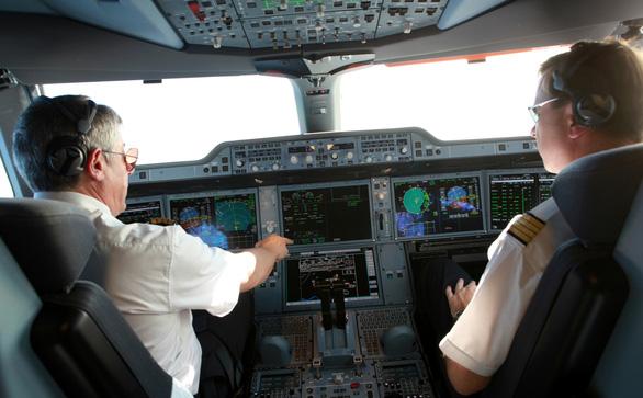 Các hãng nói không dùng phi công Pakistan vì họ không được xếp lịch bay - Ảnh 1.