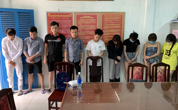 Từ TP.HCM xuống Vũng Tàu thuê nhà nghỉ chơi ma túy tập thể - Ảnh 1.