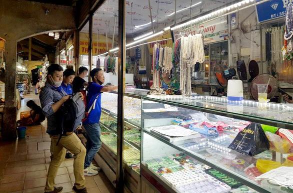 Tiểu thương Sài Gòn từ chị bán chè đến cô bán vải cũng xài QR Code - Ảnh 3.