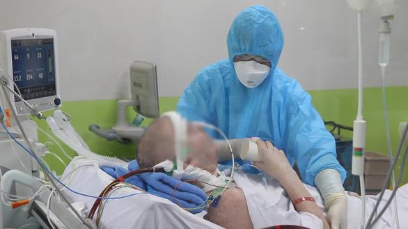 Bệnh nhân 19 đi máy bay về nhà, hội chẩn 3 miền bệnh nhân 91 phi công người Anh - Ảnh 1.