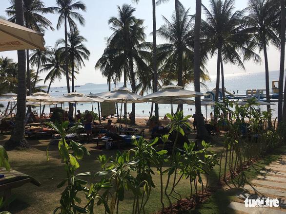 Đề xuất thí điểm mở cho du khách quốc tế đến đảo Phú Quốc - Ảnh 1.