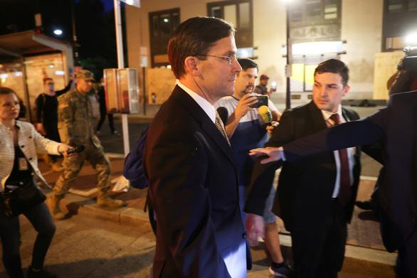 Bộ trưởng Quốc phòng Mỹ phản đối dùng luật chống nổi loạn dẹp biểu tình - Ảnh 1.