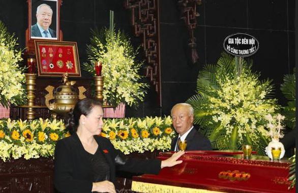 Tiễn đưa nguyên Chủ nhiệm Văn phòng Quốc hội Vũ Mão về nơi yên nghỉ - Ảnh 2.
