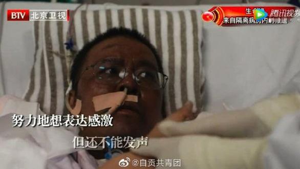 Bác sĩ Vũ Hán da đổi màu đen sạm vì nhiễm virus corona đã qua đời, dân mạng Trung Quốc nổi giận - Ảnh 1.