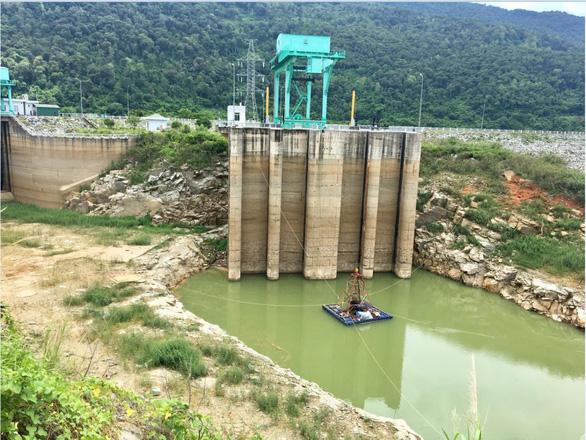Thủy điện Buôn Kuốp cung cấp nước cho hạ du trong mùa cạn - Ảnh 1.
