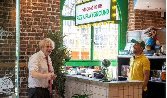 Thủ tướng Anh Boris Johnson tuyên bố chống béo phì tại Anh - Ảnh 1.