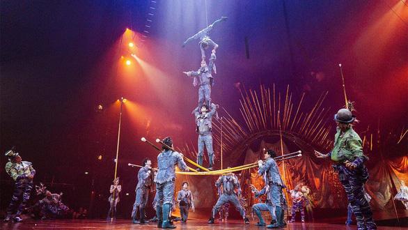 Đoàn xiếc 'toàn cầu' Cirque Du Soleil nộp đơn phá sản vì COVID-19 - Ảnh 1.