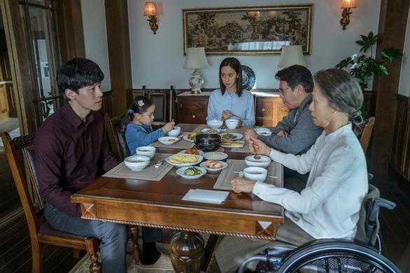 Phim Kẻ xâm nhập: Lời cảnh tỉnh về hội thánh tà đạo đáng sợ của Hàn Quốc - Ảnh 4.