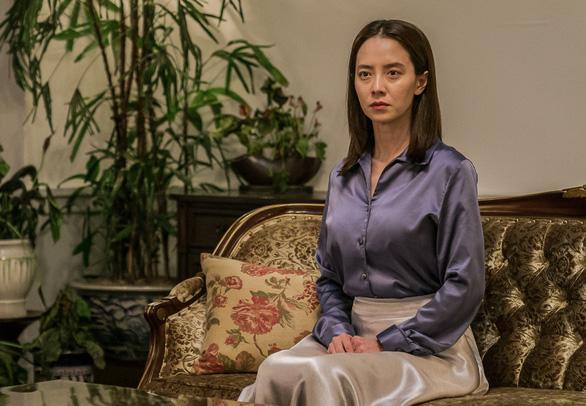 Phim Kẻ xâm nhập: Lời cảnh tỉnh về hội thánh tà đạo đáng sợ của Hàn Quốc - Ảnh 3.