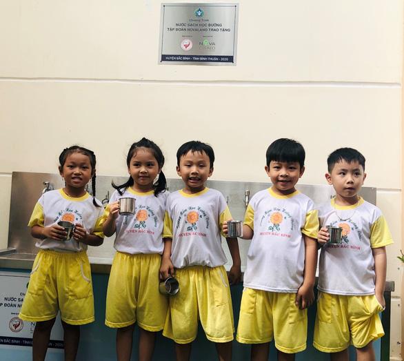 Nước sạch học đường đến với giáo viên, học sinh huyện Bắc Bình, Bình Thuận - Ảnh 2.