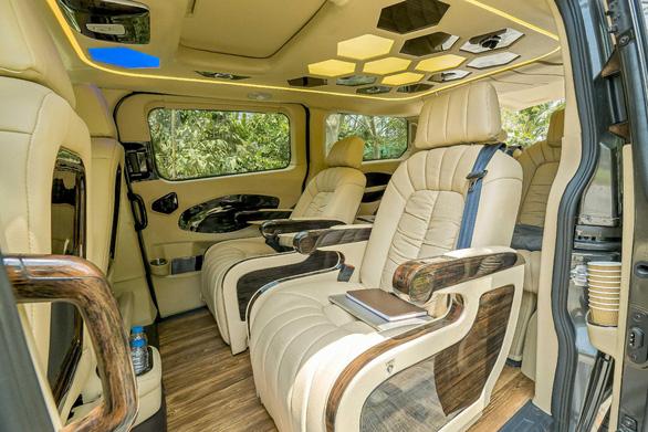 MC Quyền Linh: Không ngại di chuyển đường dài với chuyến xe hạnh phúc Ford Tourneo - Ảnh 3.