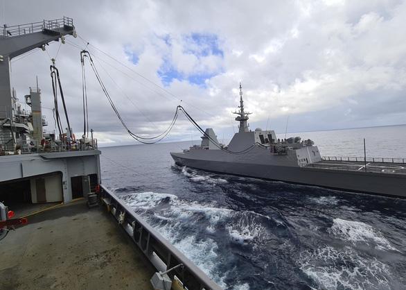 Mỹ, Trung nắn gân nhau bằng tập trận ầm ĩ trên biển - Ảnh 5.