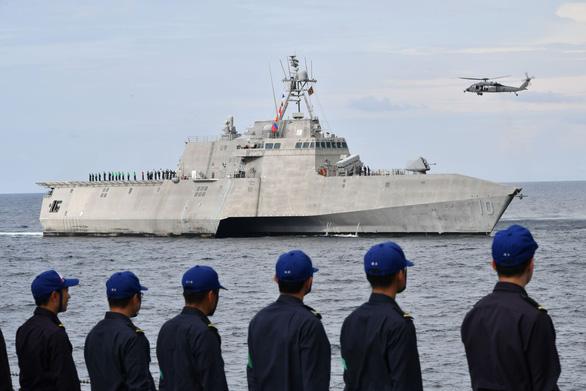 Mỹ, Trung nắn gân nhau bằng tập trận ầm ĩ trên biển - Ảnh 12.