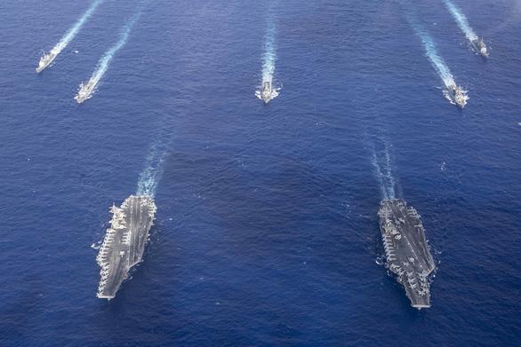 Mỹ, Trung nắn gân nhau bằng tập trận ầm ĩ trên biển - Ảnh 8.
