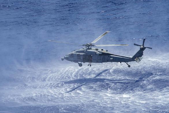 Mỹ, Trung nắn gân nhau bằng tập trận ầm ĩ trên biển - Ảnh 4.