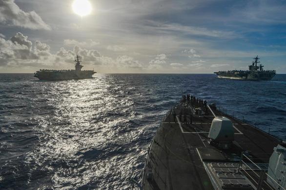 Mỹ, Trung nắn gân nhau bằng tập trận ầm ĩ trên biển - Ảnh 13.