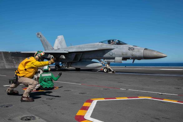 Mỹ, Trung nắn gân nhau bằng tập trận ầm ĩ trên biển - Ảnh 14.