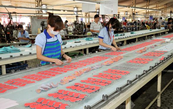 Da giày Việt Nam thêm cơ hội khi thế giới định vị lại chuỗi cung ứng từ Trung Quốc - Ảnh 1.
