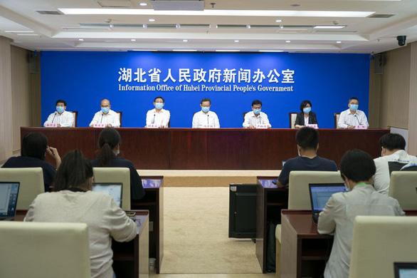 Vũ Hán tuyên bố đã an toàn khỏi virus corona, xét nghiệm 10 triệu dân không phát hiện ca nào - Ảnh 1.