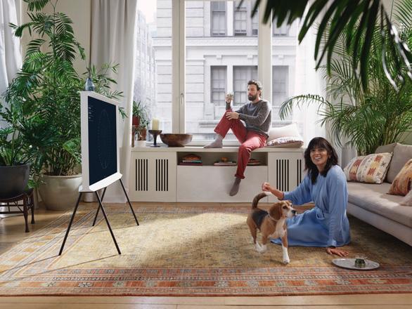Samsung dẫn đầu xu thế với dòng LifestyleTV mới - Ảnh 1.